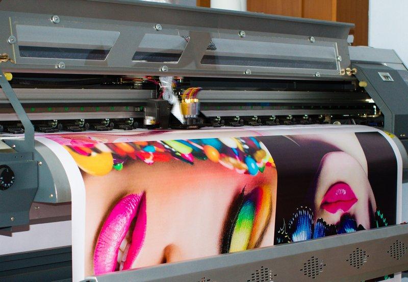 Широкоформатная печать – практичная реклама